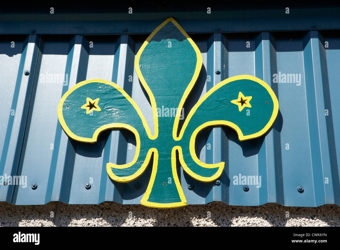 world boy scout emblem on a building in scotland uk united kingdom - Stock Image