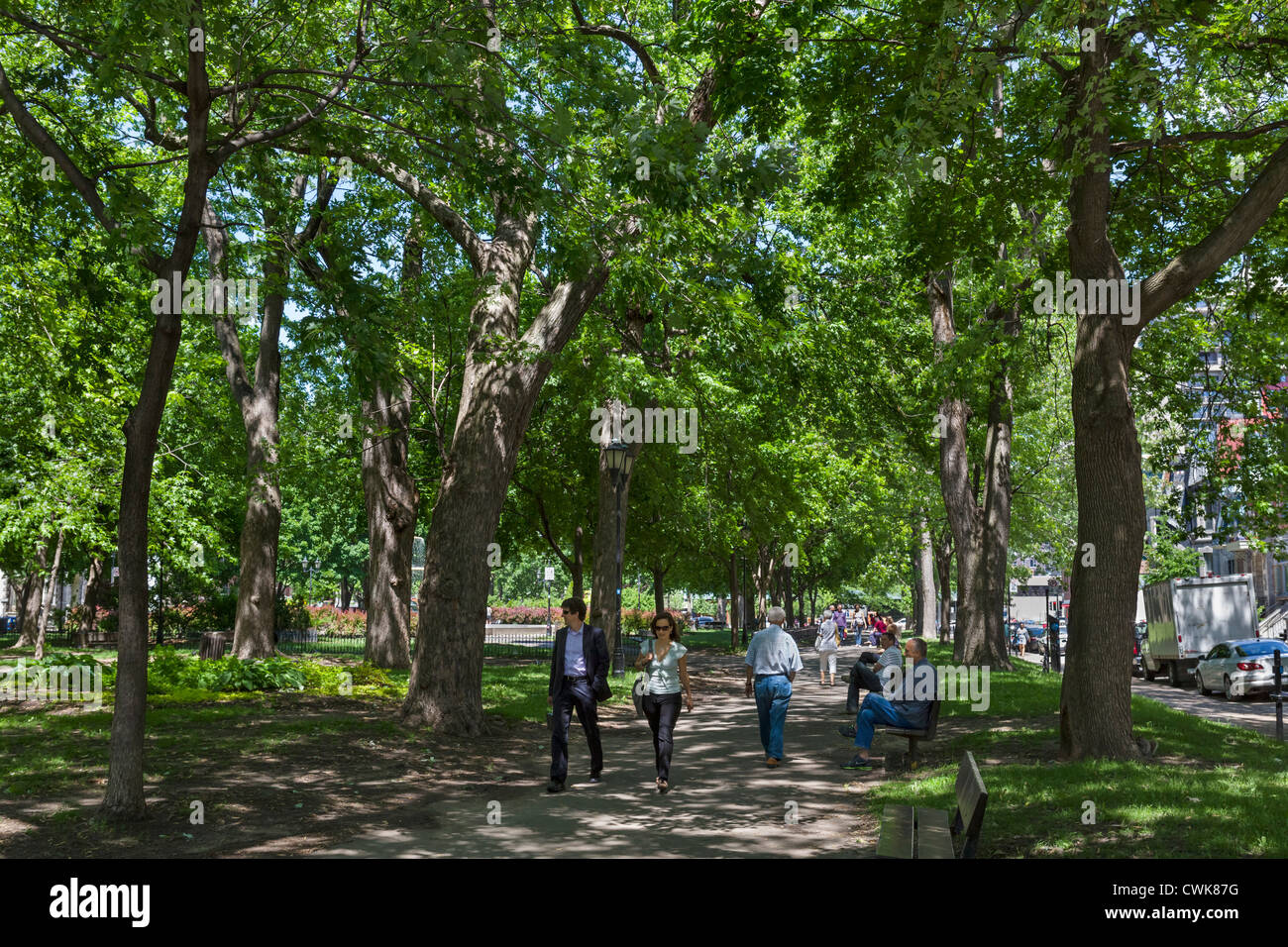 Square Saint-Louis in the Plateau Mont-Royal district, Montreal, Quebec, Canada - Stock Image