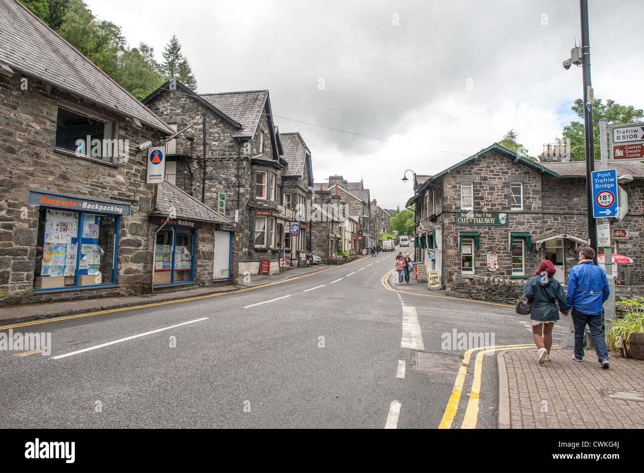 betws y coed muslim From the lake, we walked around the gywndir forest taking in the views and headed back to the main town of betws y coed with a tired hound and tired humans, we stopped off for a cheeky pint and some lunch before going home.