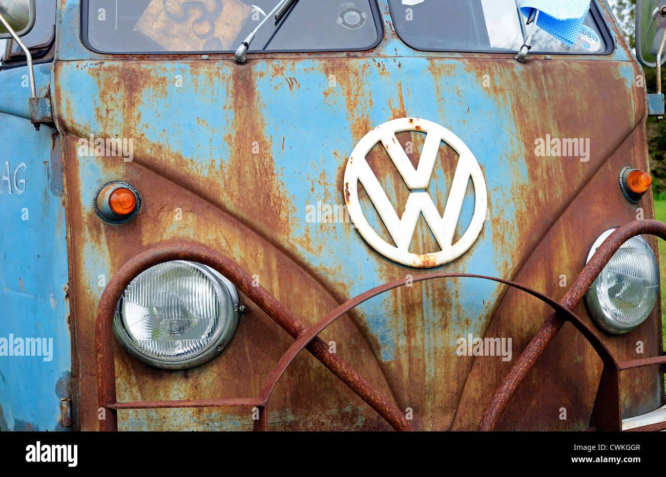 A rusty VW camper van - Stock Image