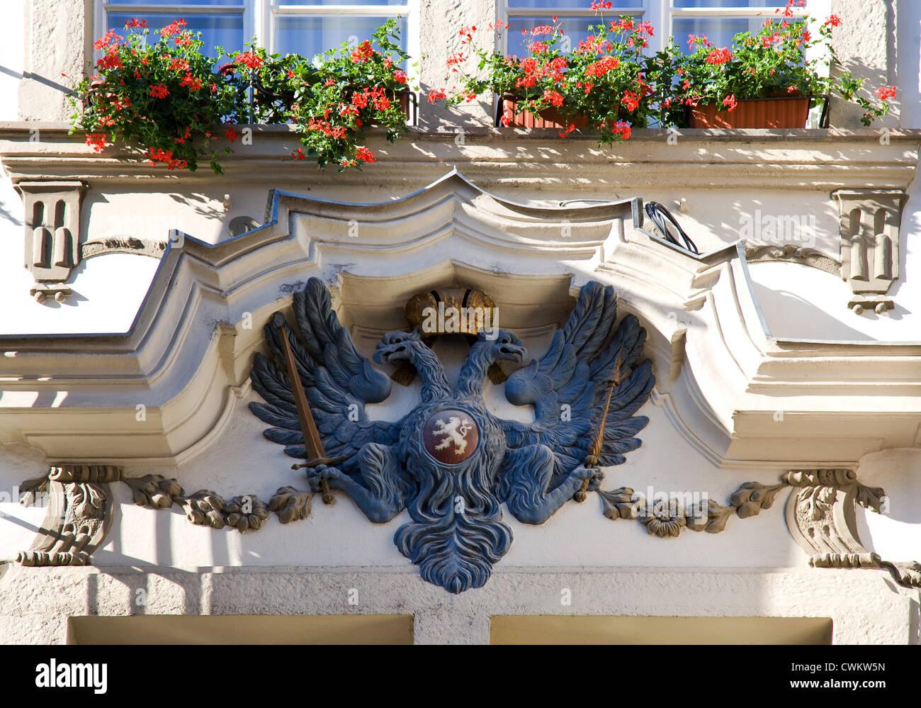 Dum U cerneho vola, Mostecka ulice, Mala Strana (UNESCO), Praha, Ceska republika - Stock Image