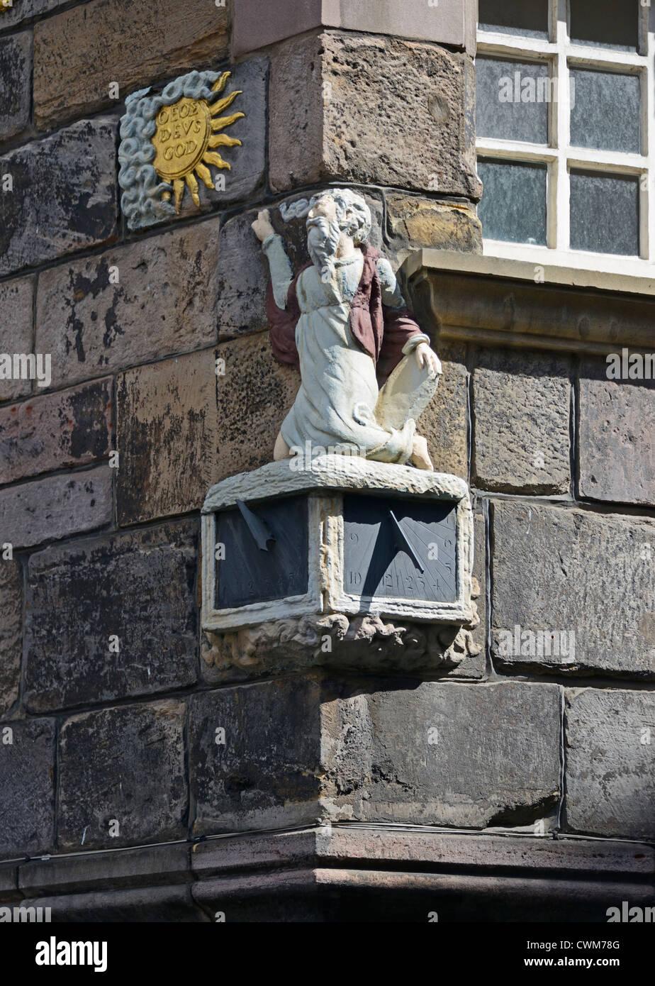 Moses sundial on John Knox House. The Royal Mile, Edinburgh, Mid Lothian, Scotland, United Kingdom, Europe. Stock Photo