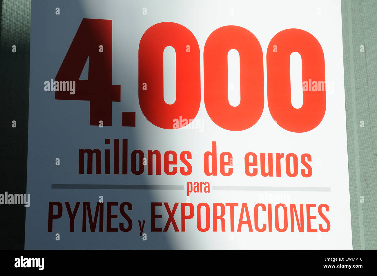 indication advertising of a Spanish bank: 4000 million € for exports and SMEs - Stock Image