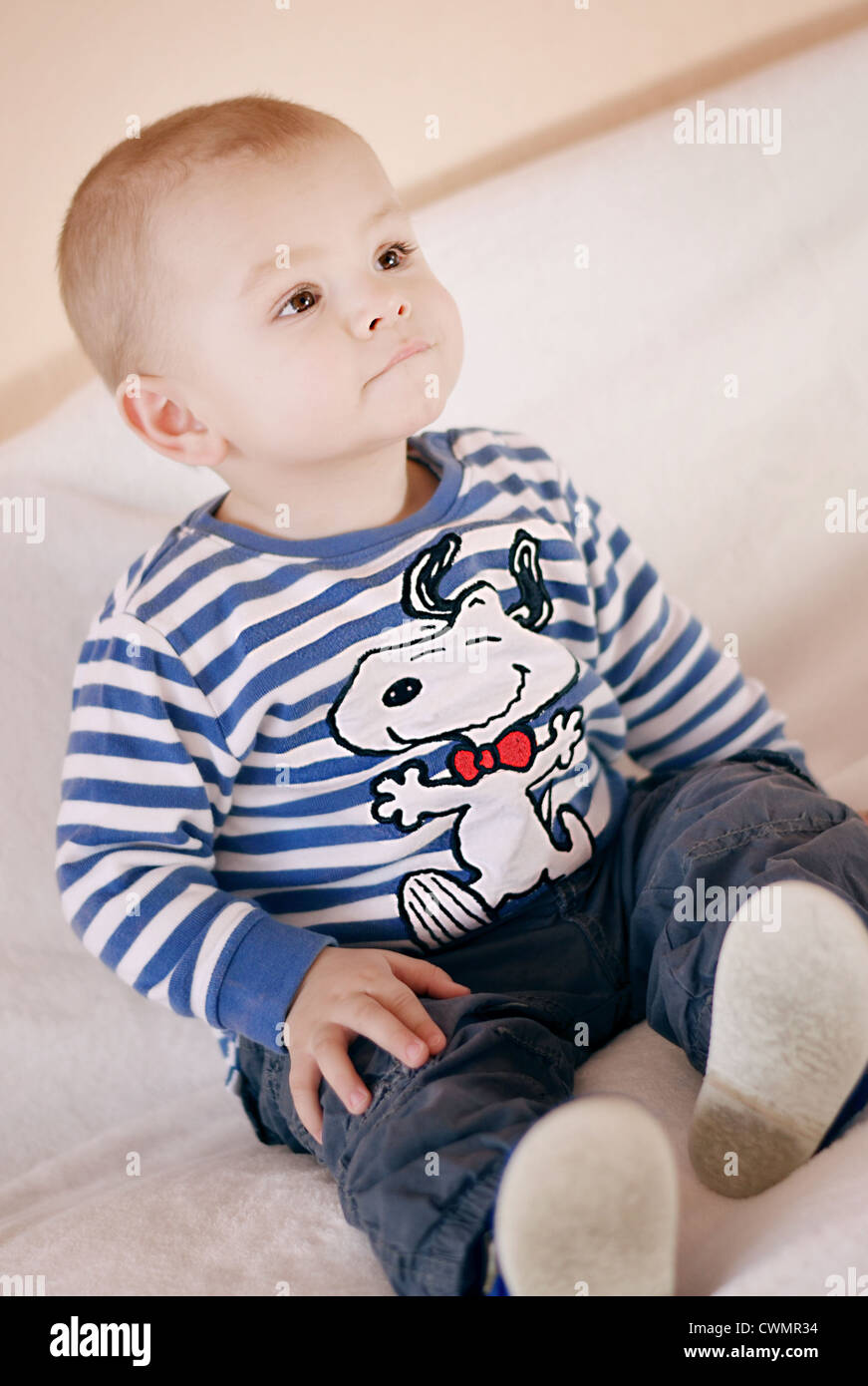 45e0c7b4 Snoopy T Shirt Stock Photos & Snoopy T Shirt Stock Images - Alamy