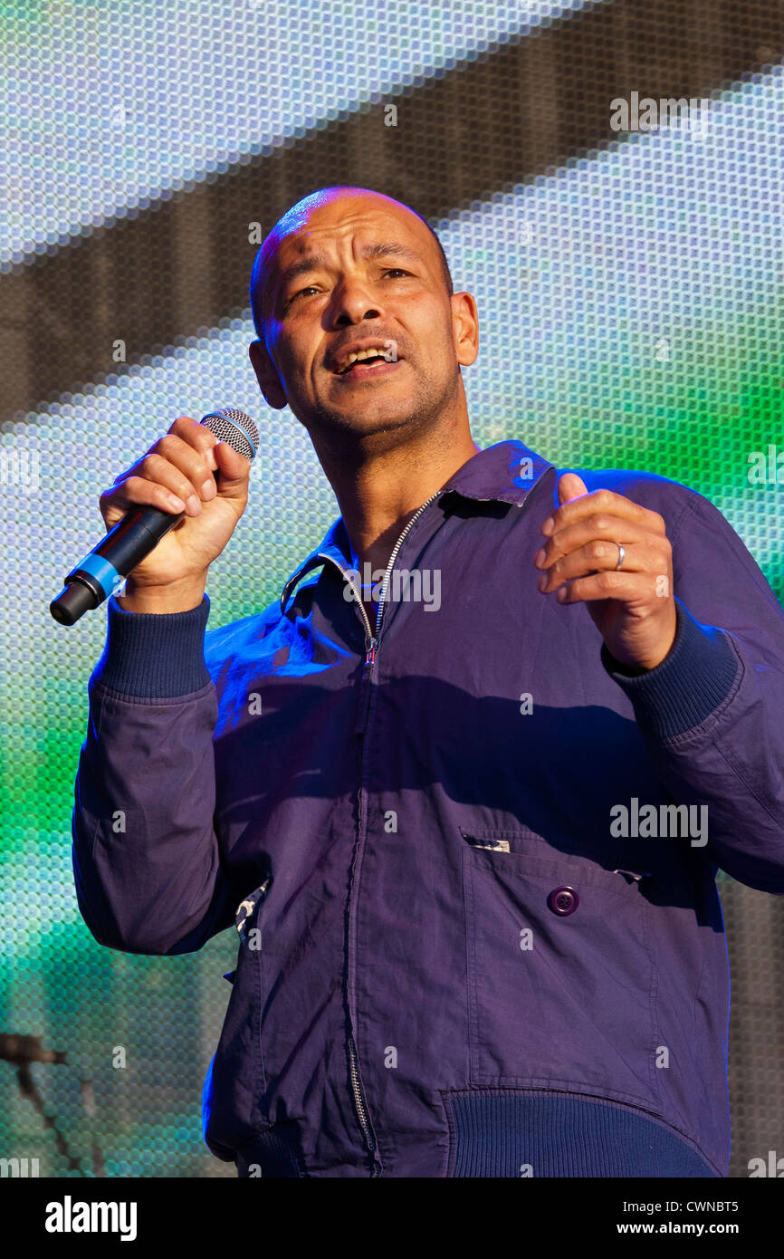 Roland gift former lead singer of fine young cannibals at the rewind roland gift former lead singer of fine young cannibals at the rewind festival henley on thames 2012 per0324 negle Image collections