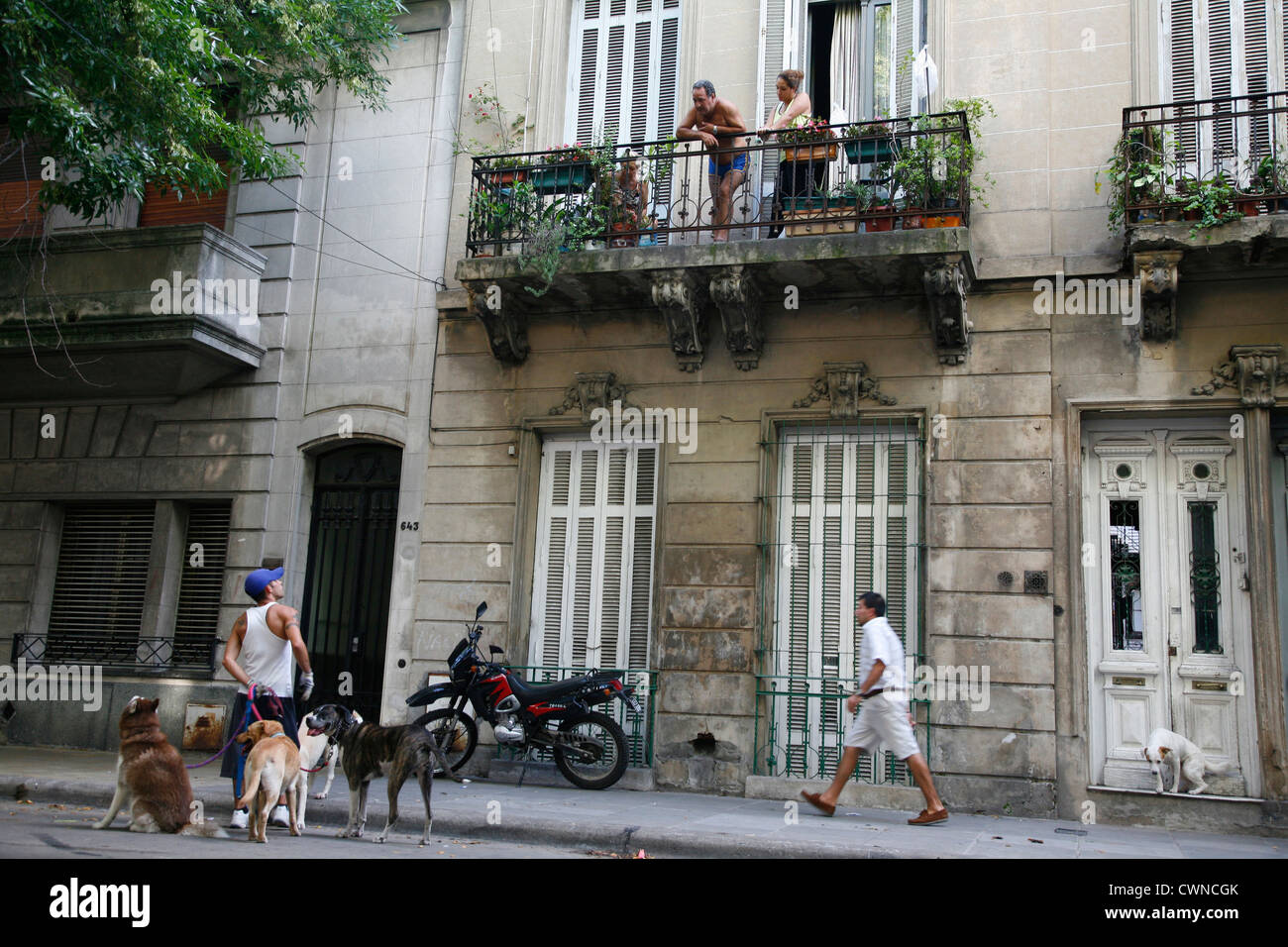 Street scene in La Boca neighbourhood, Buenos Aires, Argentina. - Stock Image