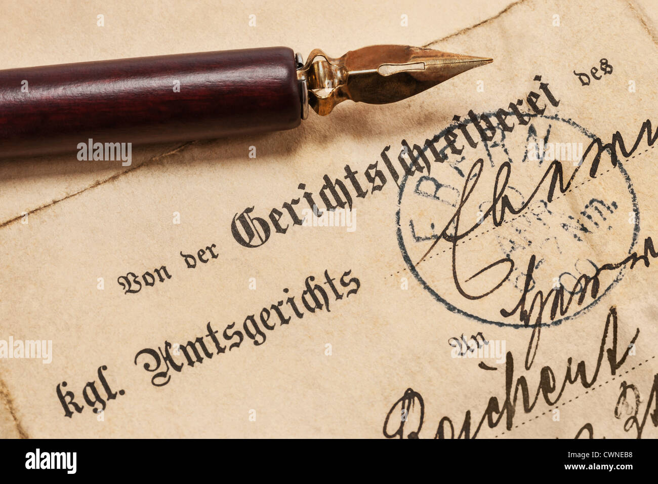 Old letter from an German royal local court from the year 1900, a fountain pen is alongside - Stock Image
