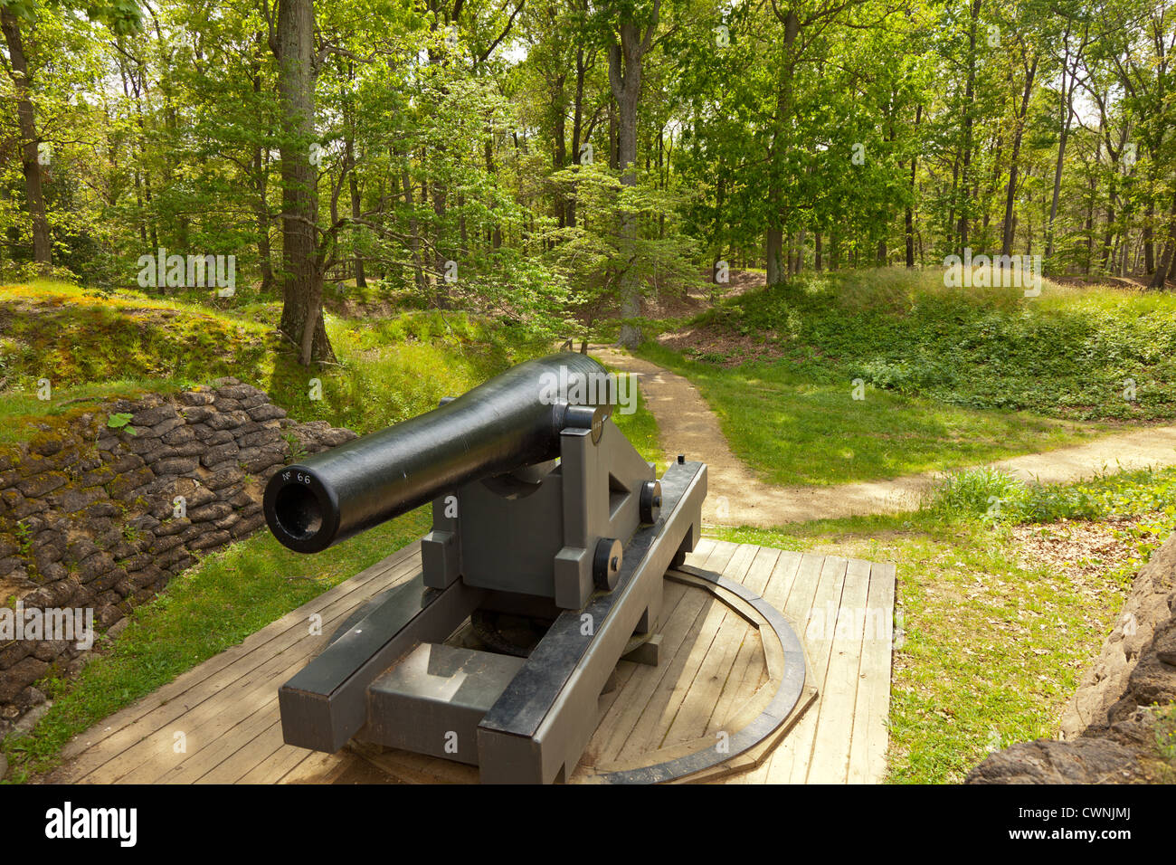 View from front of Cannon overlooking James River at Drewry's Bluff, part of Richmond National Battlefield Park - Stock Image