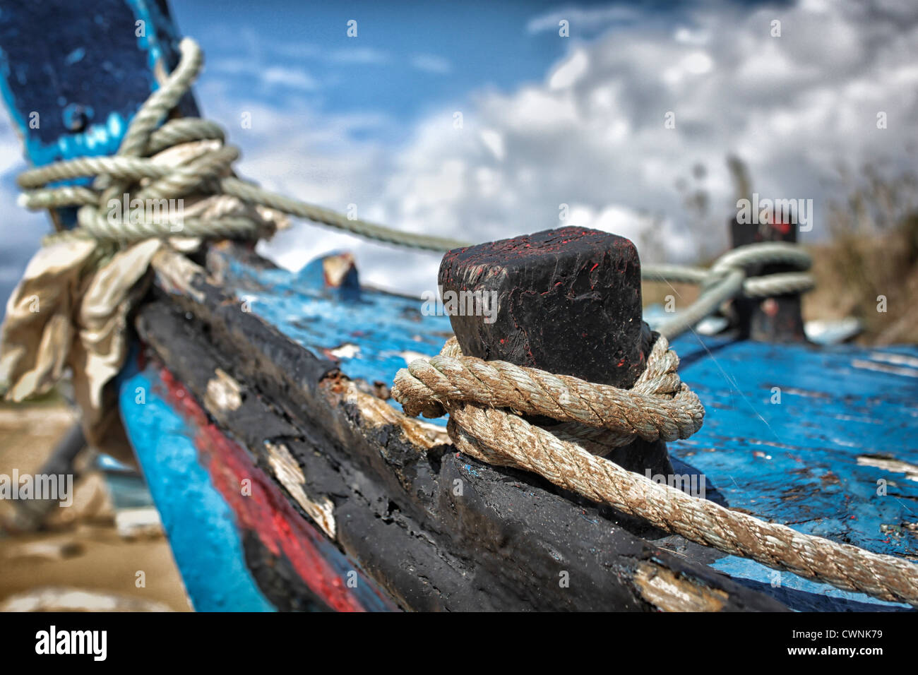 rope knots on fishing boat - Stock Image