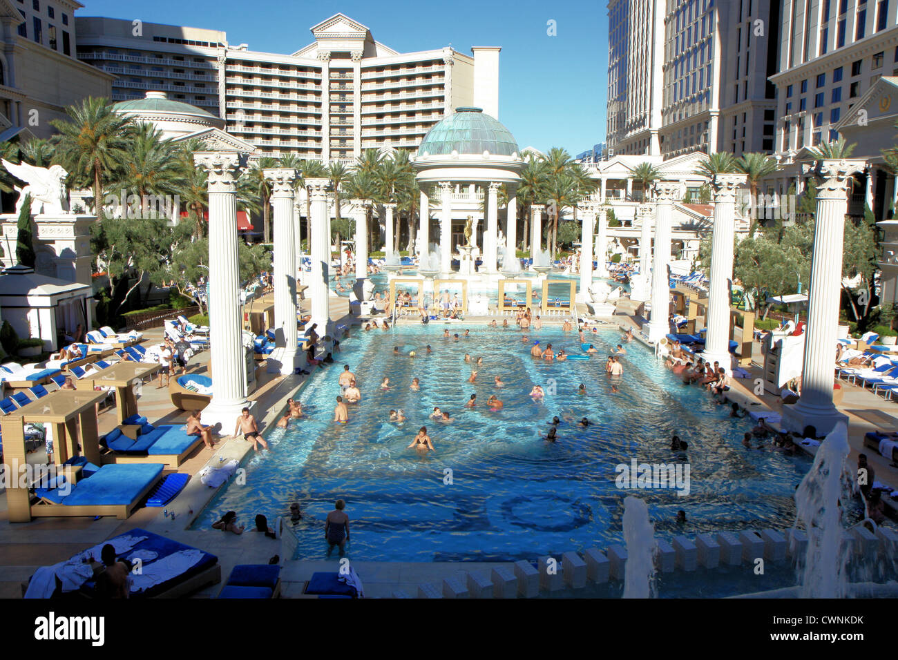 Caesars palace las vegas pool stock photos caesars palace las vegas pool stock images alamy - Las vegas swimming pools ...