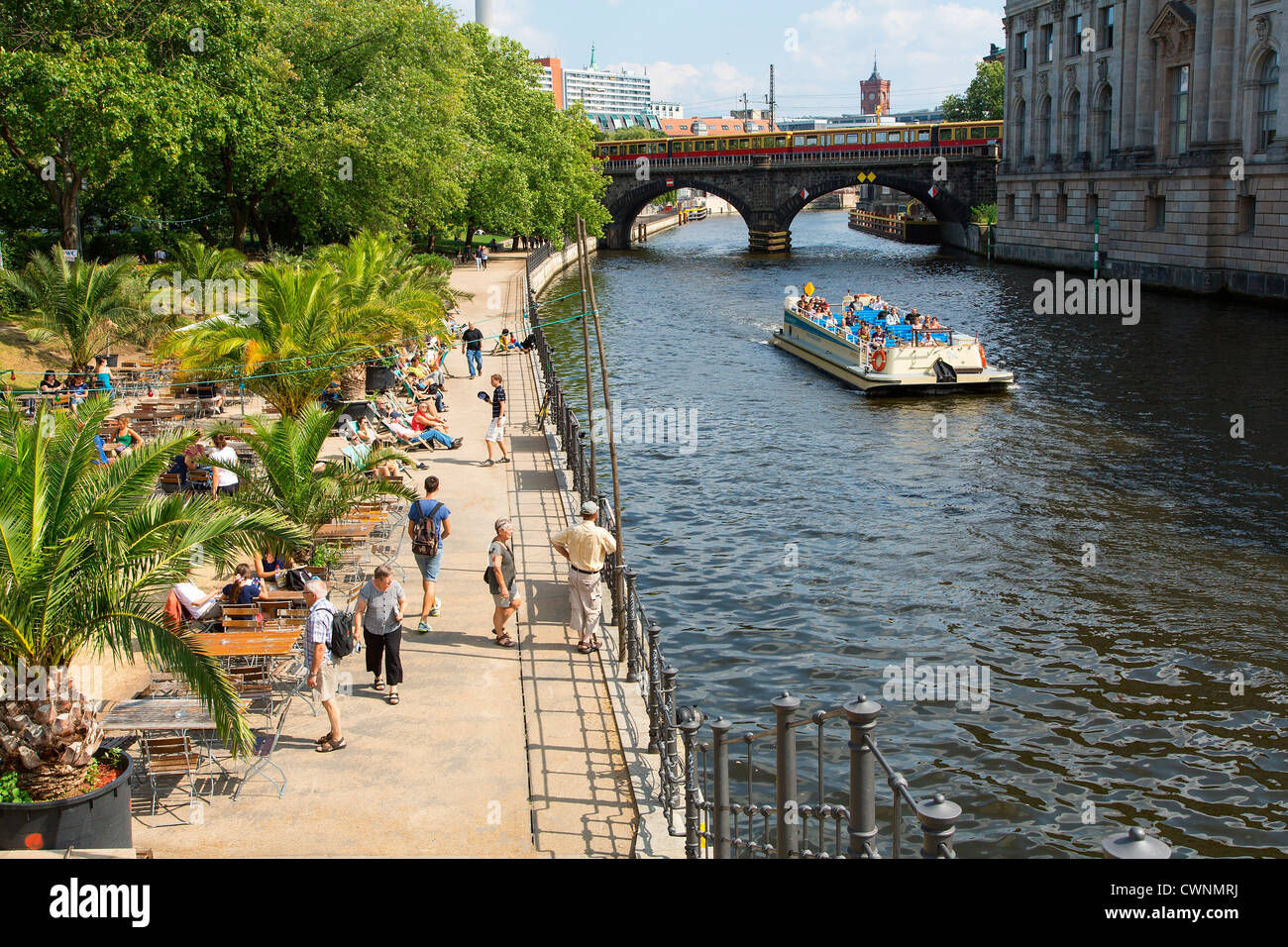 Europe, Germany, Berlin, Riverside cafe overlooking the River Spree - Stock Image