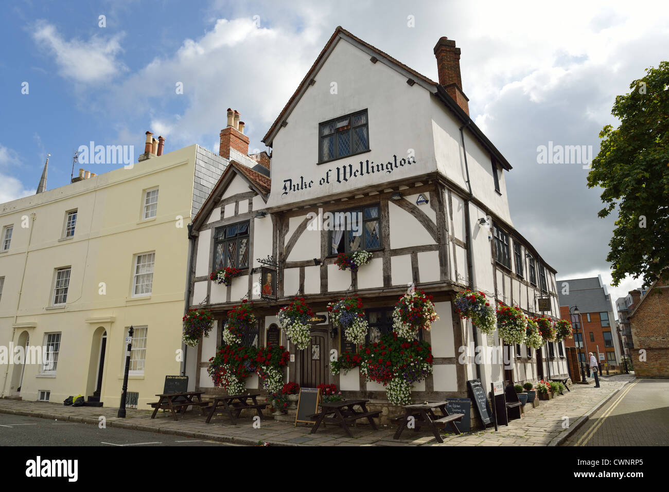 13th century Duke of Wellington Pub, Bugle Street, Old City, Southampton, Hampshire, England, United Kingdom - Stock Image