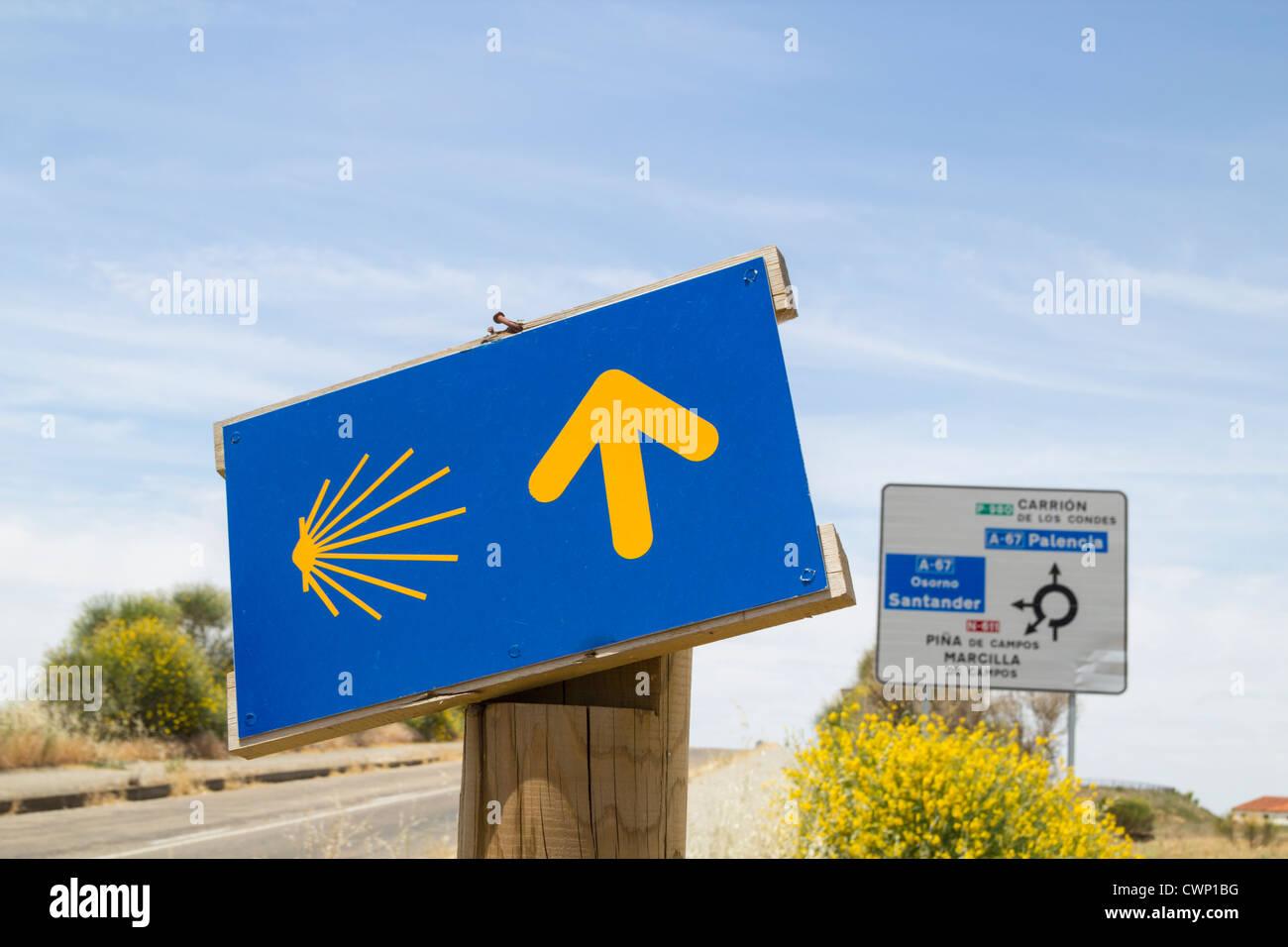 Camino de Santiago footpath sign in Palencia Province, Spain - Stock Image