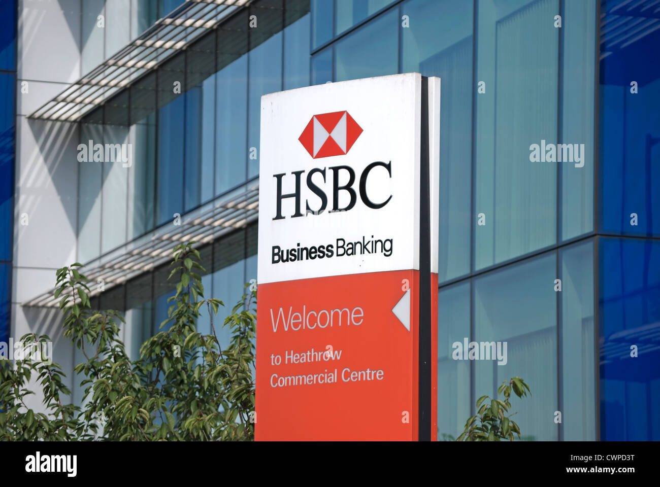 pillar sign for hsbc business banking at its heathrow
