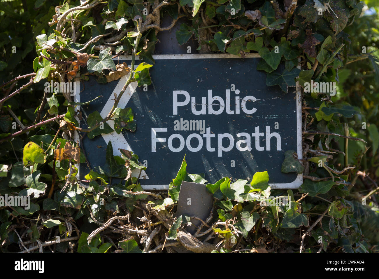Sign public footpath, Rosudgeon, Cornwall, UK. - Stock Image
