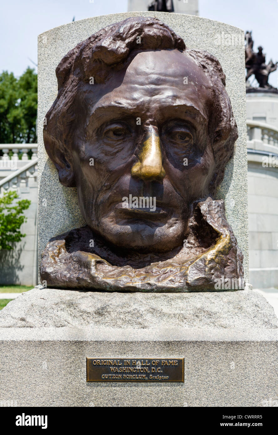 Sculpture by Gutzon Borglum in front of the tomb of President Abraham Lincoln, Oak Ridge Cemetery, Springfield, - Stock Image
