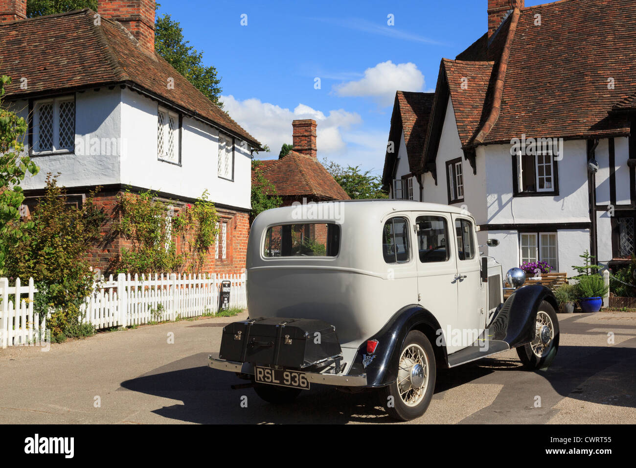 Vintage Daimler saloon car in historic and picturesque Kentish village square in Chilham, Kent, England, UK, Britain - Stock Image