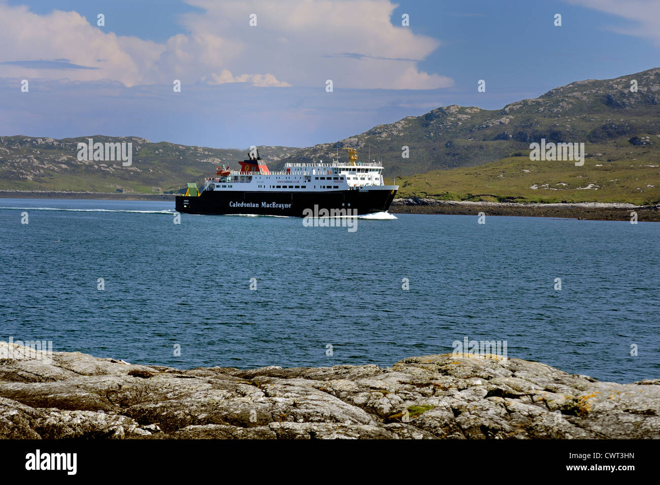 Car ferry MV Hebrides arriving at Lochmaddy on North Uist, Outer Hebrides - Stock Image