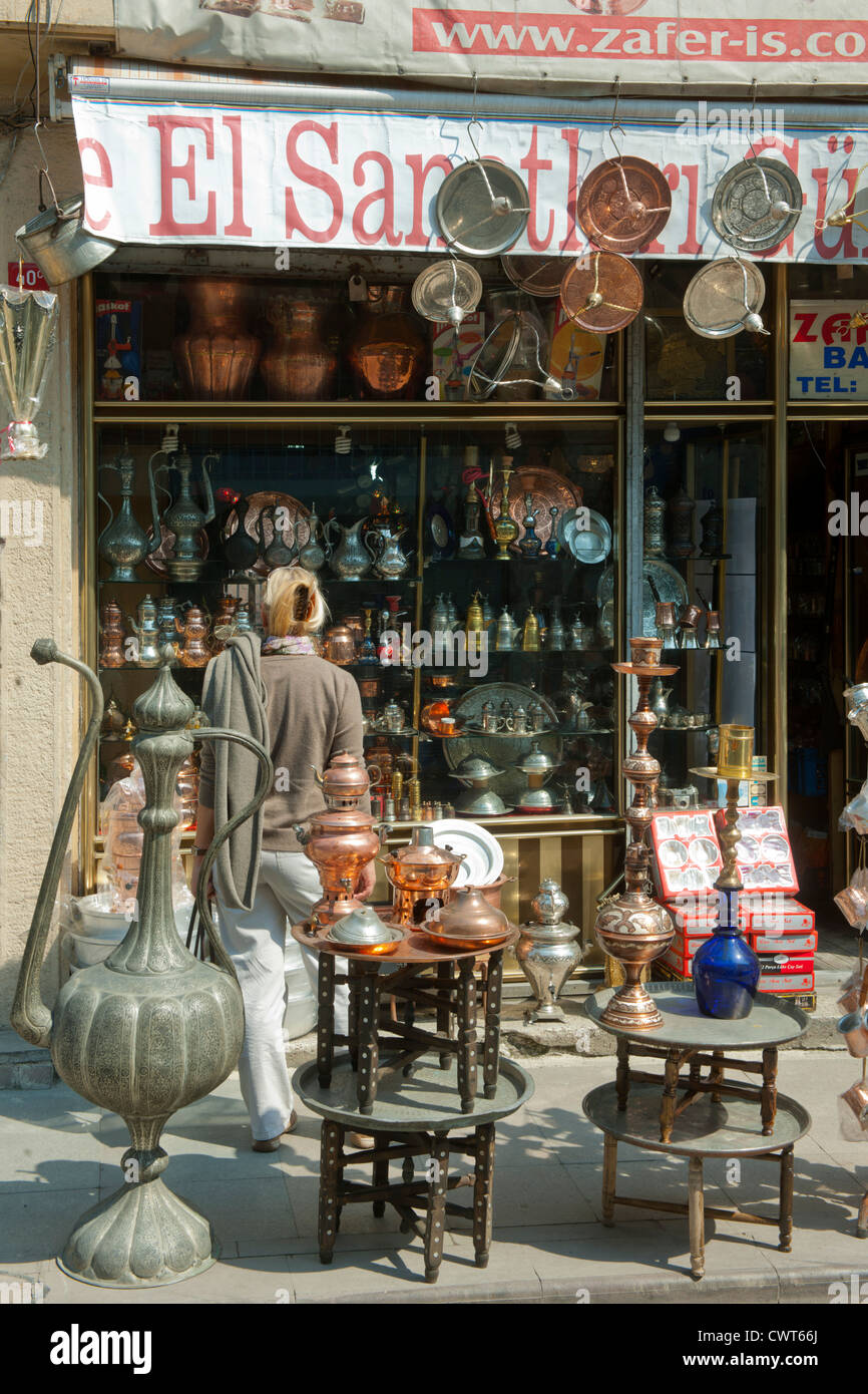 Türkei, Istanbul, Fetva Yokus, Antiquitäten unterhalb der Süleymaniye-Moschee. - Stock Image