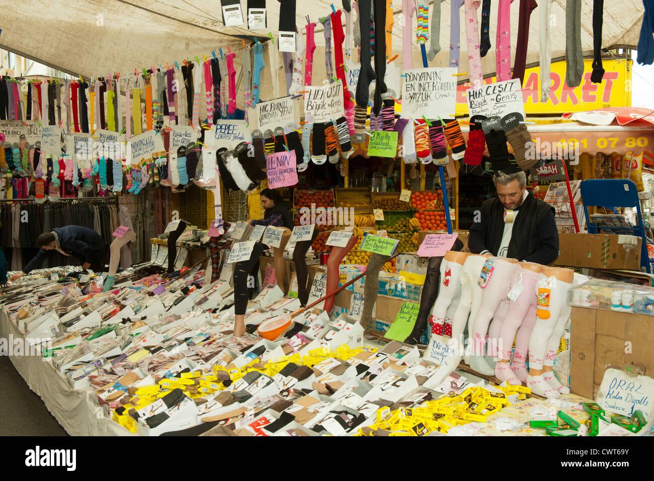 Türkei, Istanbul, Fatih, Carsamba Pazari oder Frauenmarkt, jeden Mittwoch an der Fatih-Moschee. Stock Photo