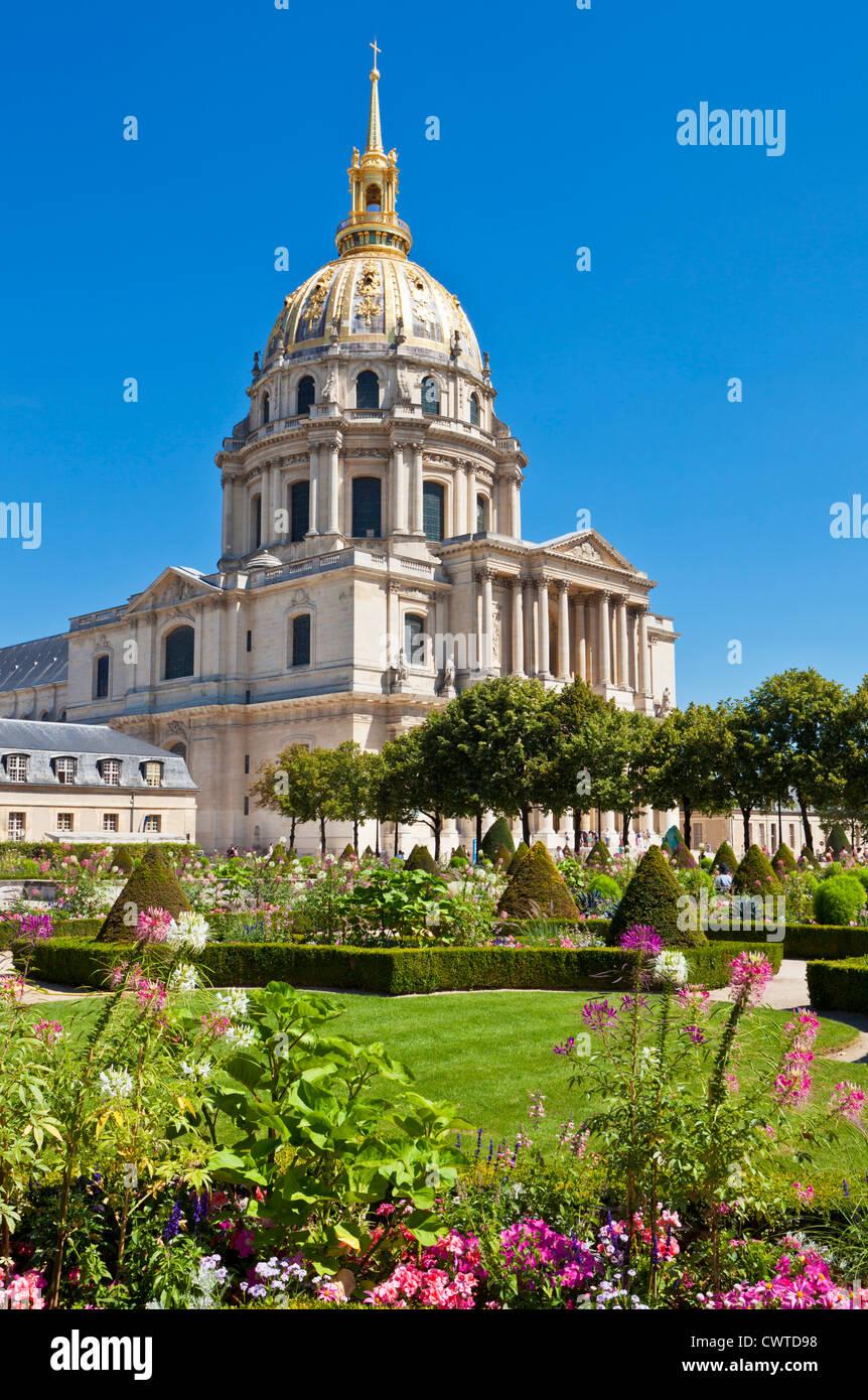 Eglise du Dome Les Invalides and formal gardens napoleons tomb Paris France EU Europe - Stock Image