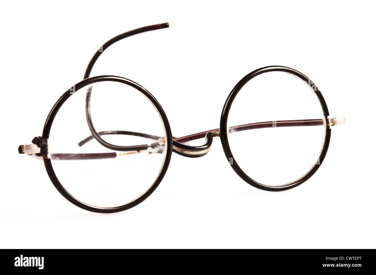 2f8dbbafba095 antique round reading glasses Stock Photo  50325600 - Alamy