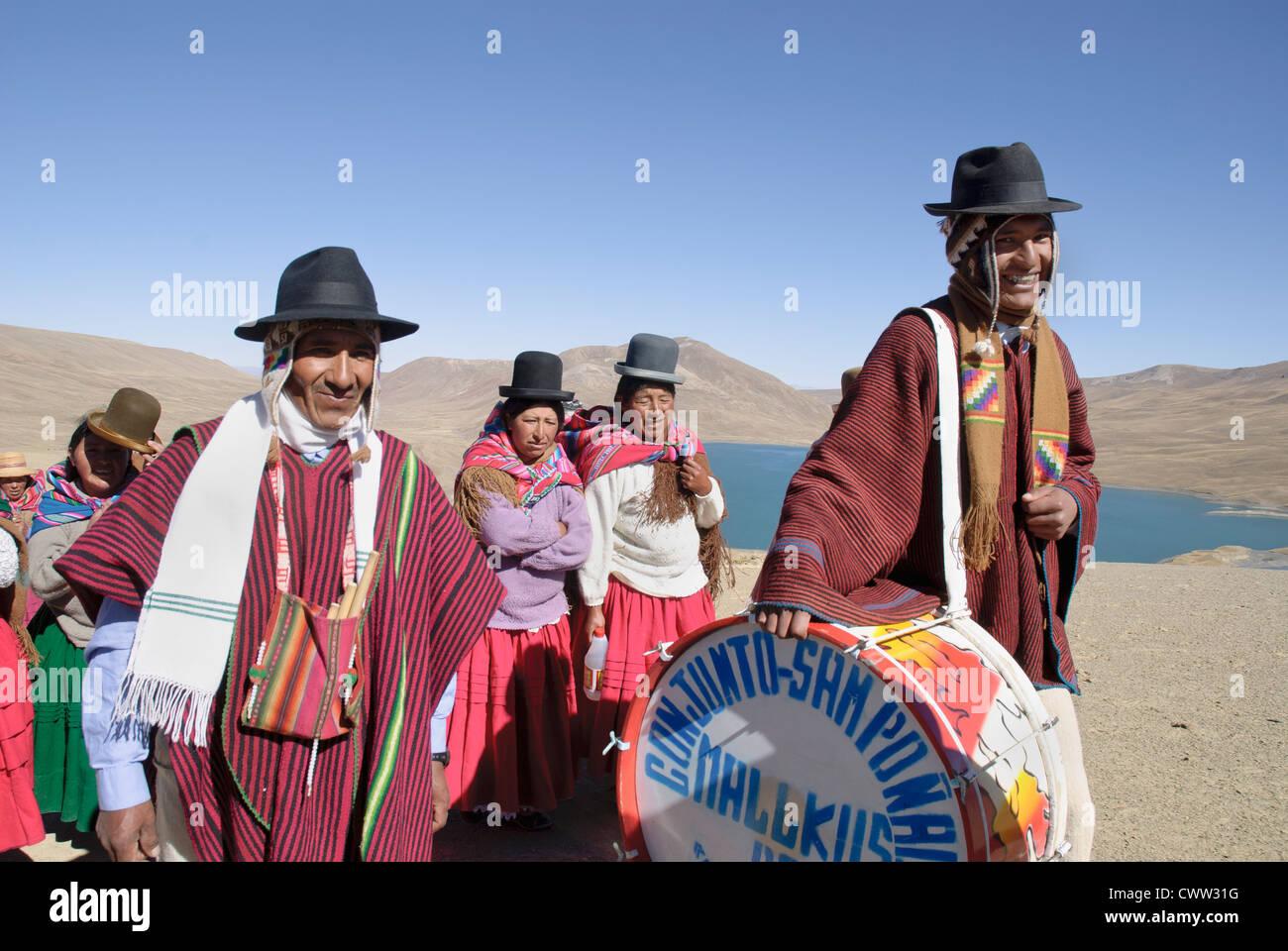 Musicians in the Cordillera of the Andes, Bolivia - Stock Image