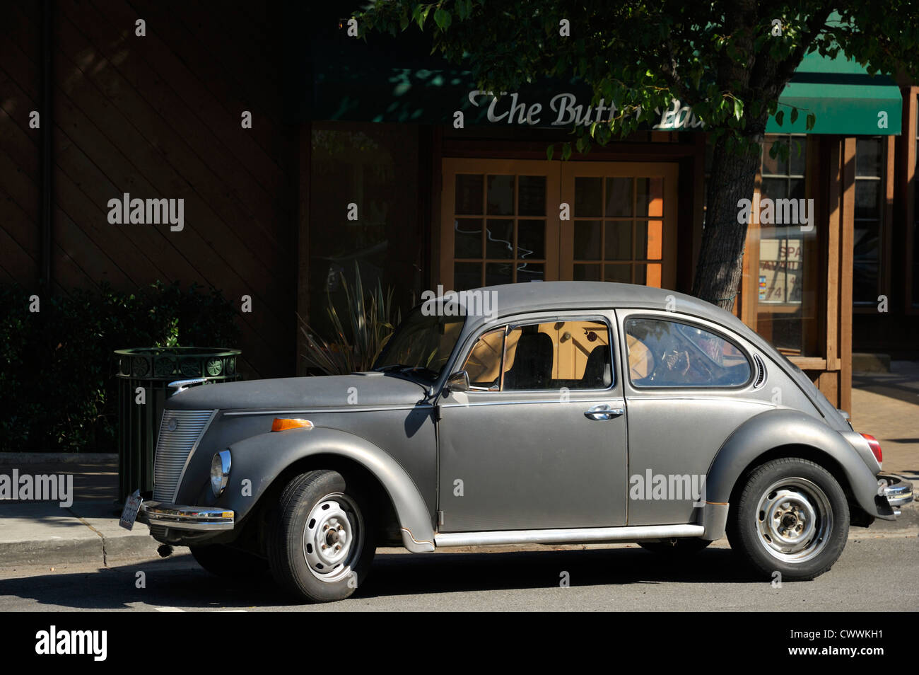 An Oldtimer In Front Of A Restaurant Saratoga Ca Stock
