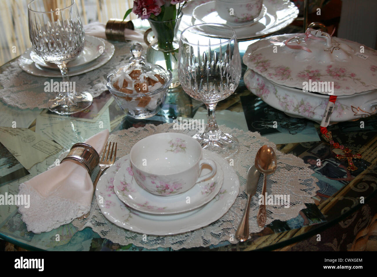 antique dinner setting porcelain china lace crystal dinnerware and silverware & antique dinner setting porcelain china lace crystal dinnerware and ...