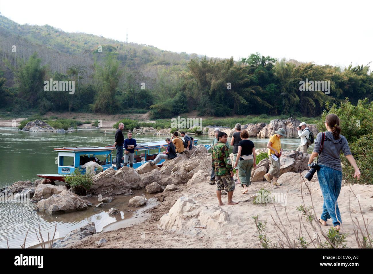 At low water, a difficult section on the Ou river (Laos). A la saison des basses eaux, un passage difficile sur Stock Photo