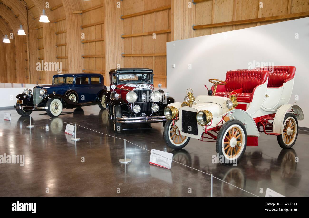 Vintage cars inside Le May: America\'s Car Museum, Tacoma, Washington ...