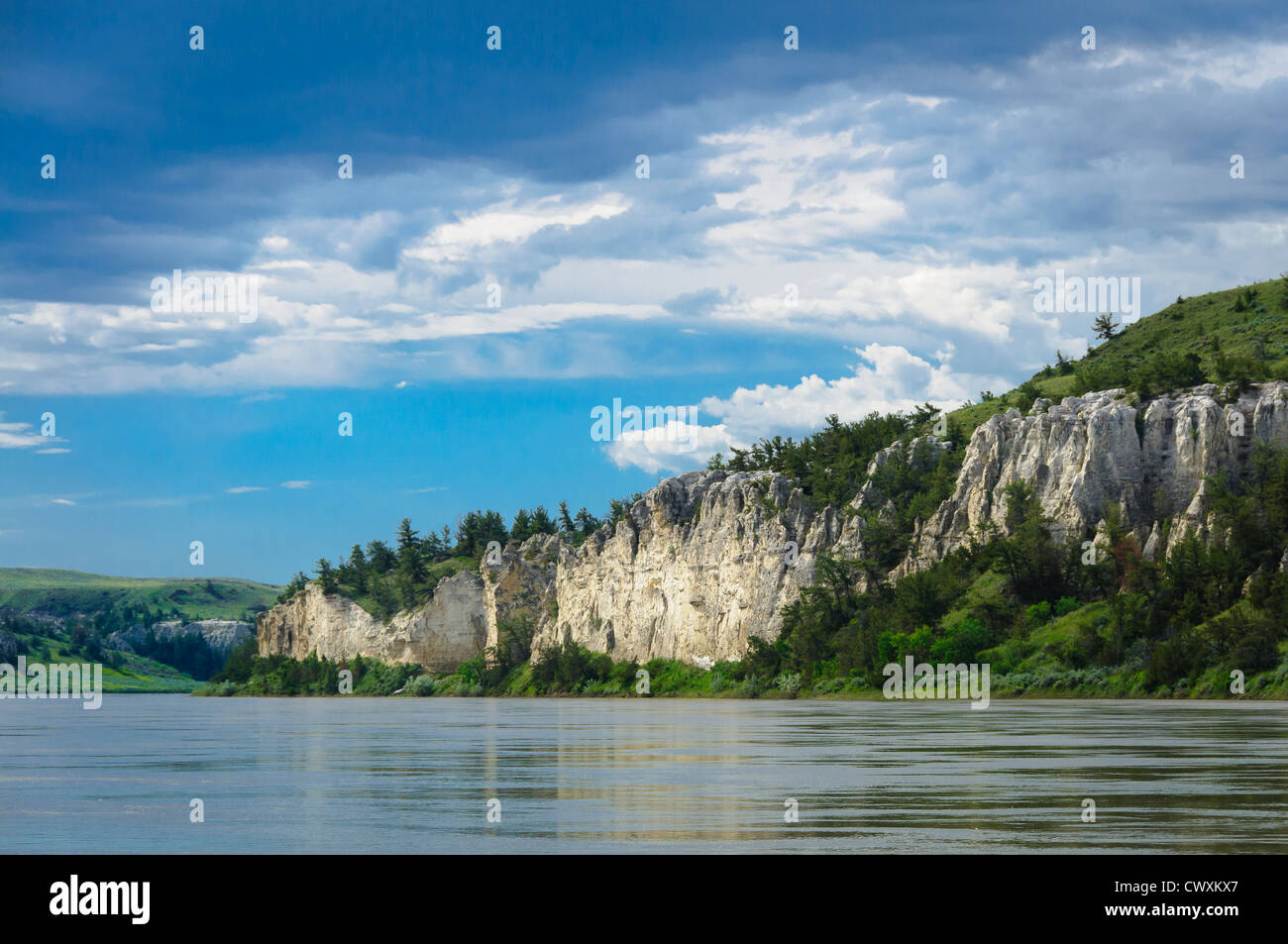 White sandstone bluffs of the Upper Missouri River Breaks National Monument, Montana. - Stock Image