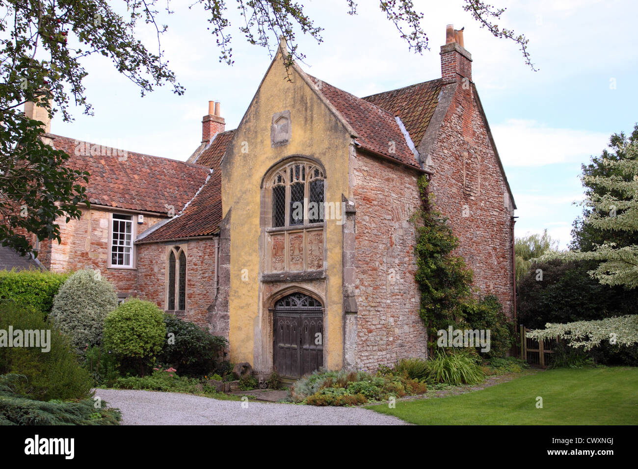 Wells Somerset UK The Rib a 15th Century former canonical house stands beside Wells Cathedral - Stock Image