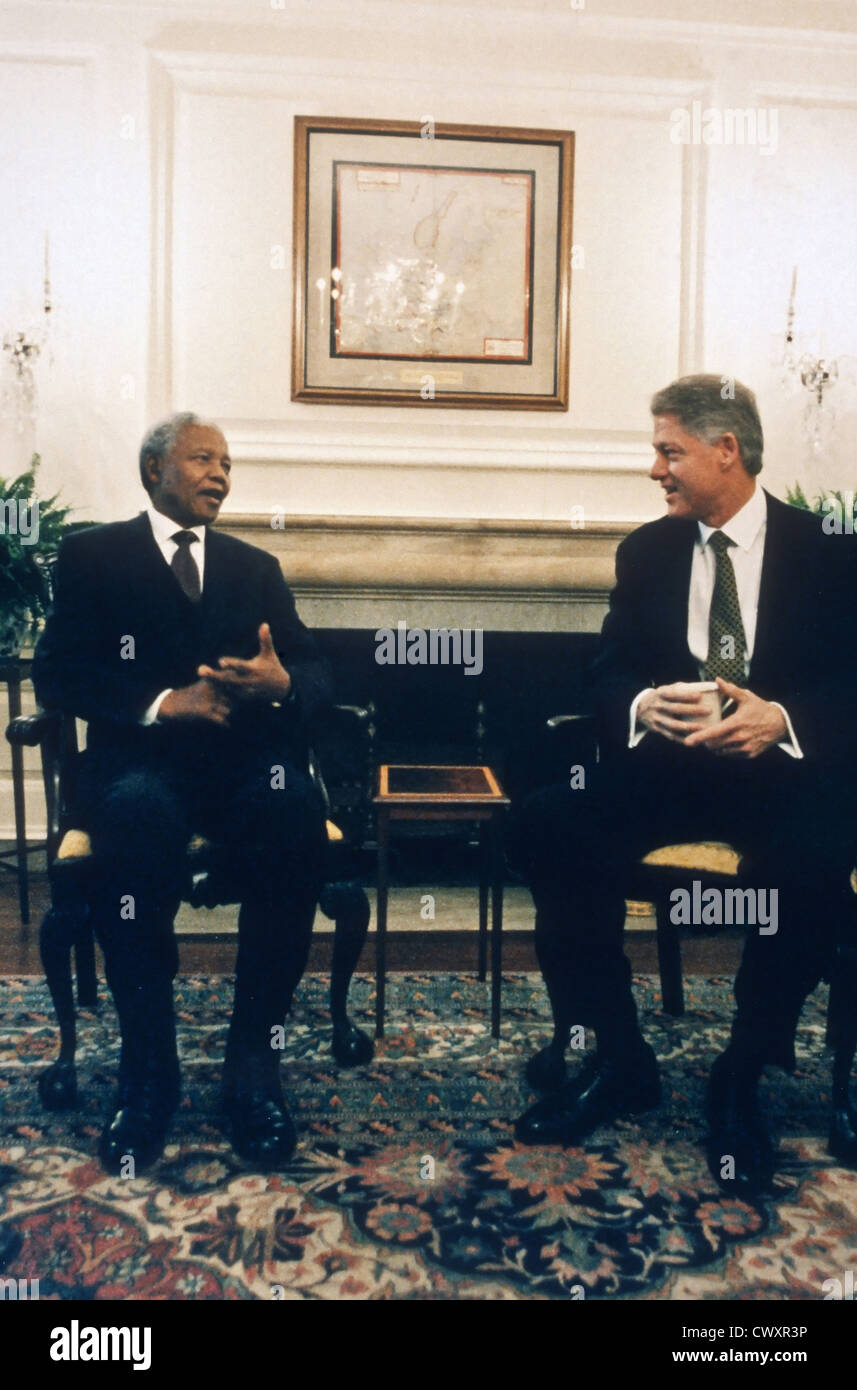 US President Bill Clinton meets with South African President Nelson Mandela after presenting him with the Congressional - Stock Image
