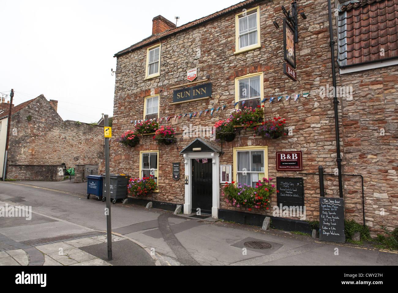 The Sun Inn pub and b&b, Wells, Somerset. - Stock Image
