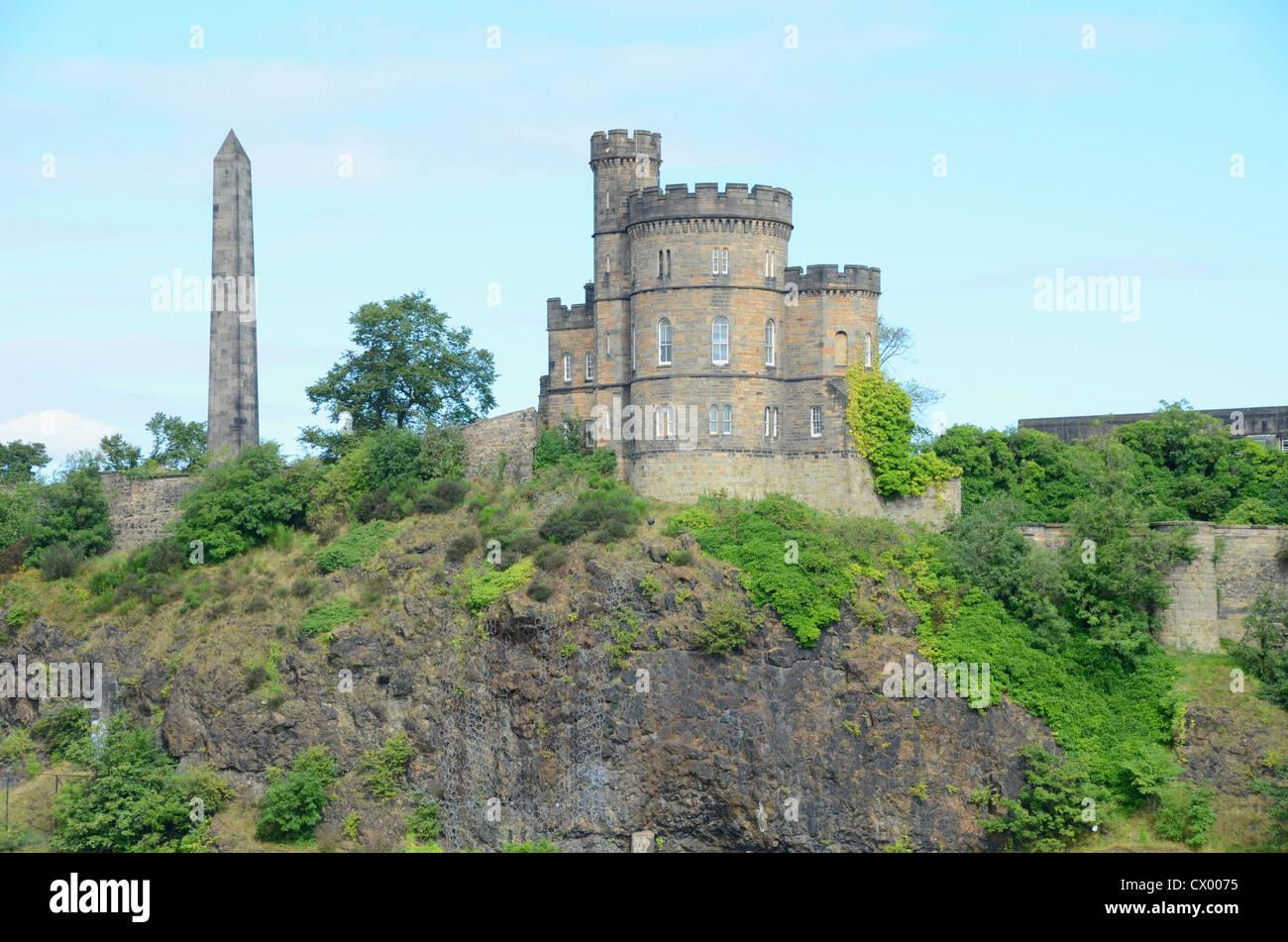 Governor's House and Hamilton Obelisk, Edinburgh, Scotland, UK Stock Photo