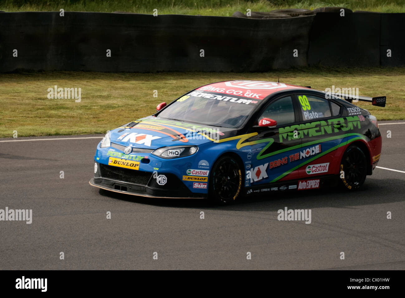 Jason Plato, driving his MG for the MG KX Momentum Racing Team.  British Touring Car Championship, Knockhill Racing - Stock Image