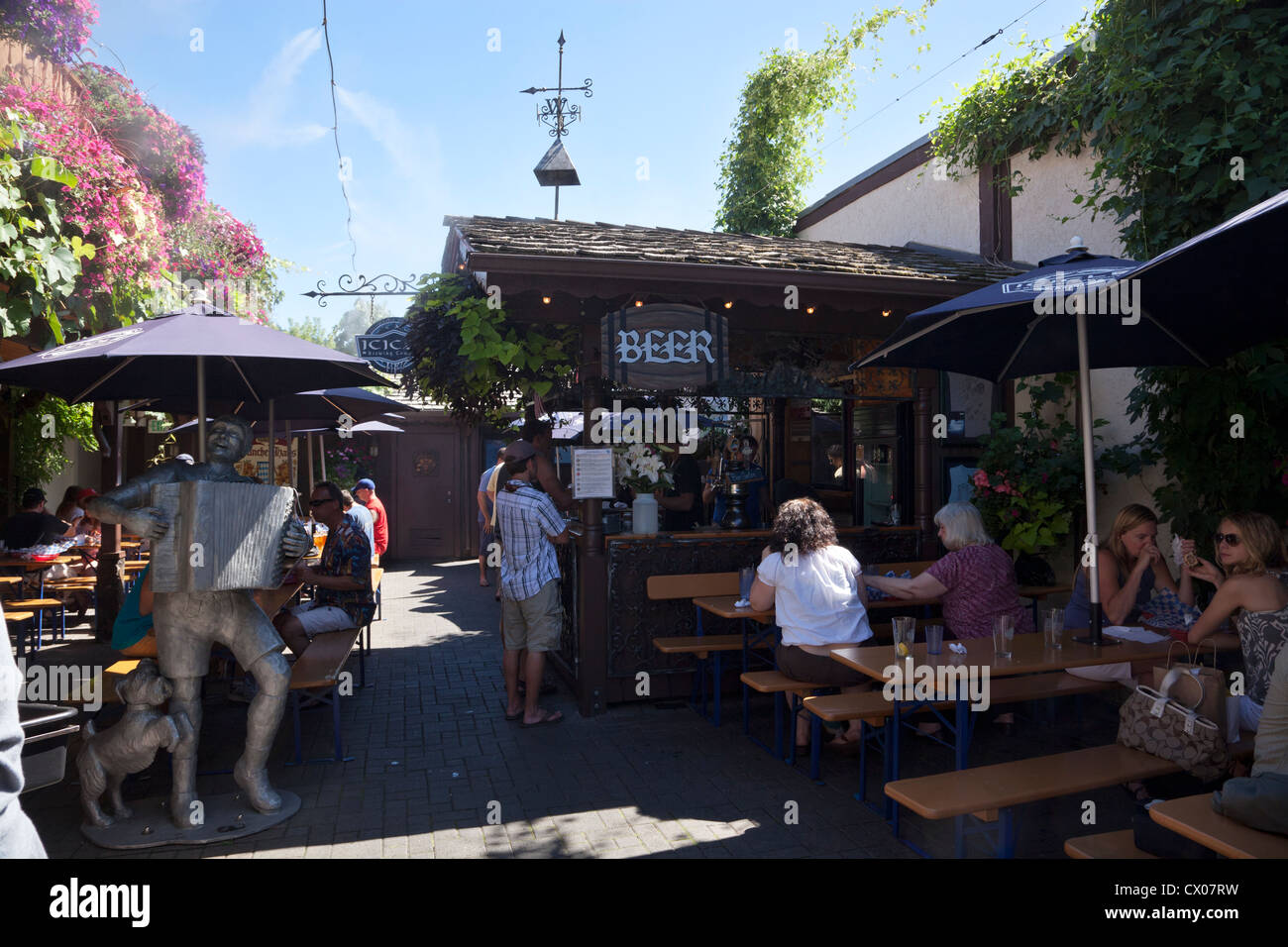 Beer garden in Leavenworth, Washington, USA. - Stock Image