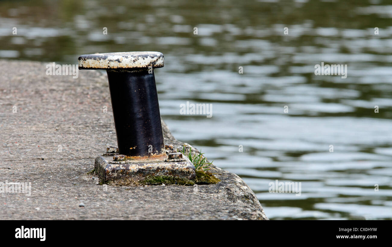 Mooring bollard at water point on Trent & Mersey canal below Kings Lock at the junction with Shropshire Union - Stock Image