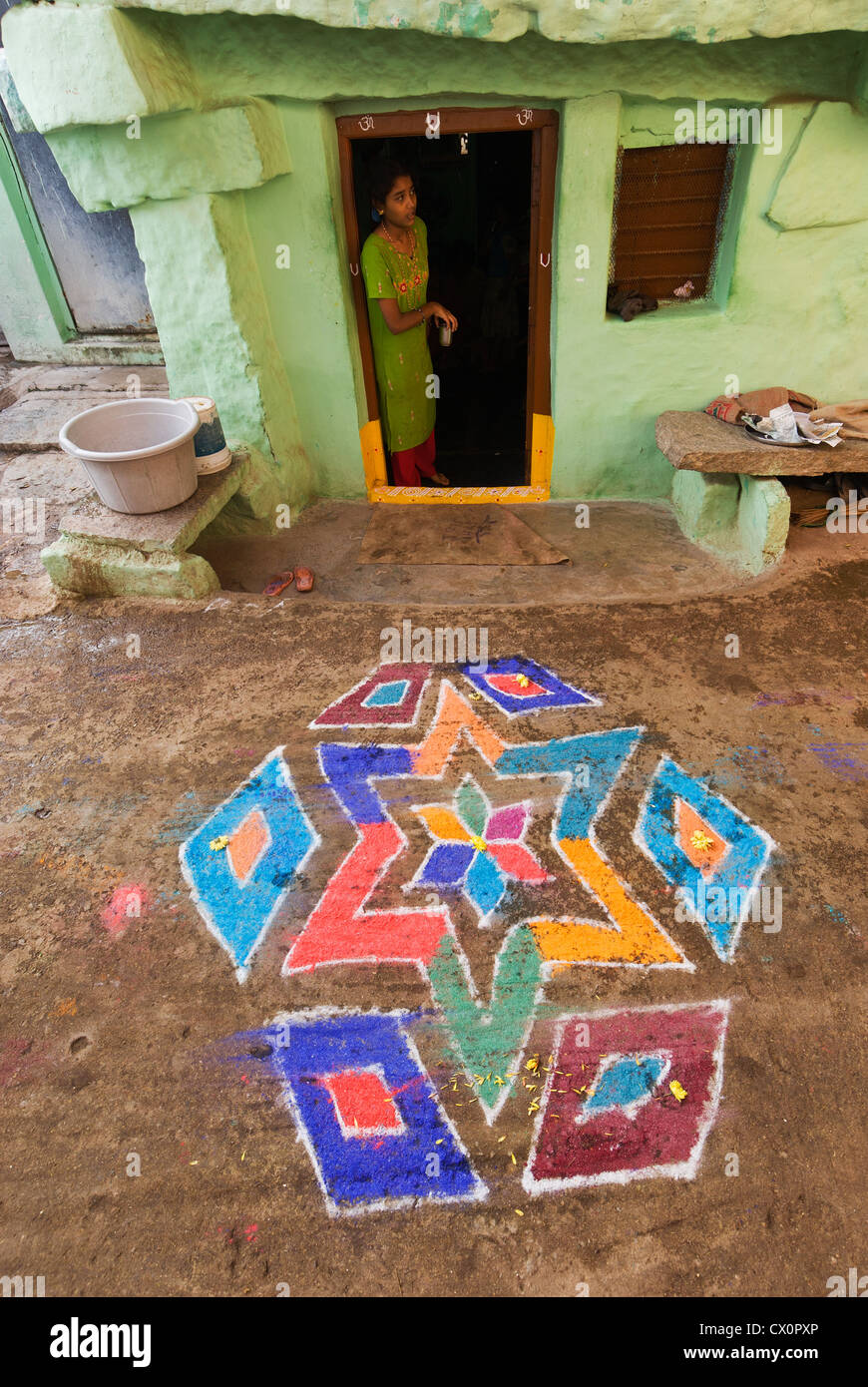 Elk201-2573v India, Karnataka, Hampi, Hampi Bazaar, kolam decoration for Pongol festival - Stock Image