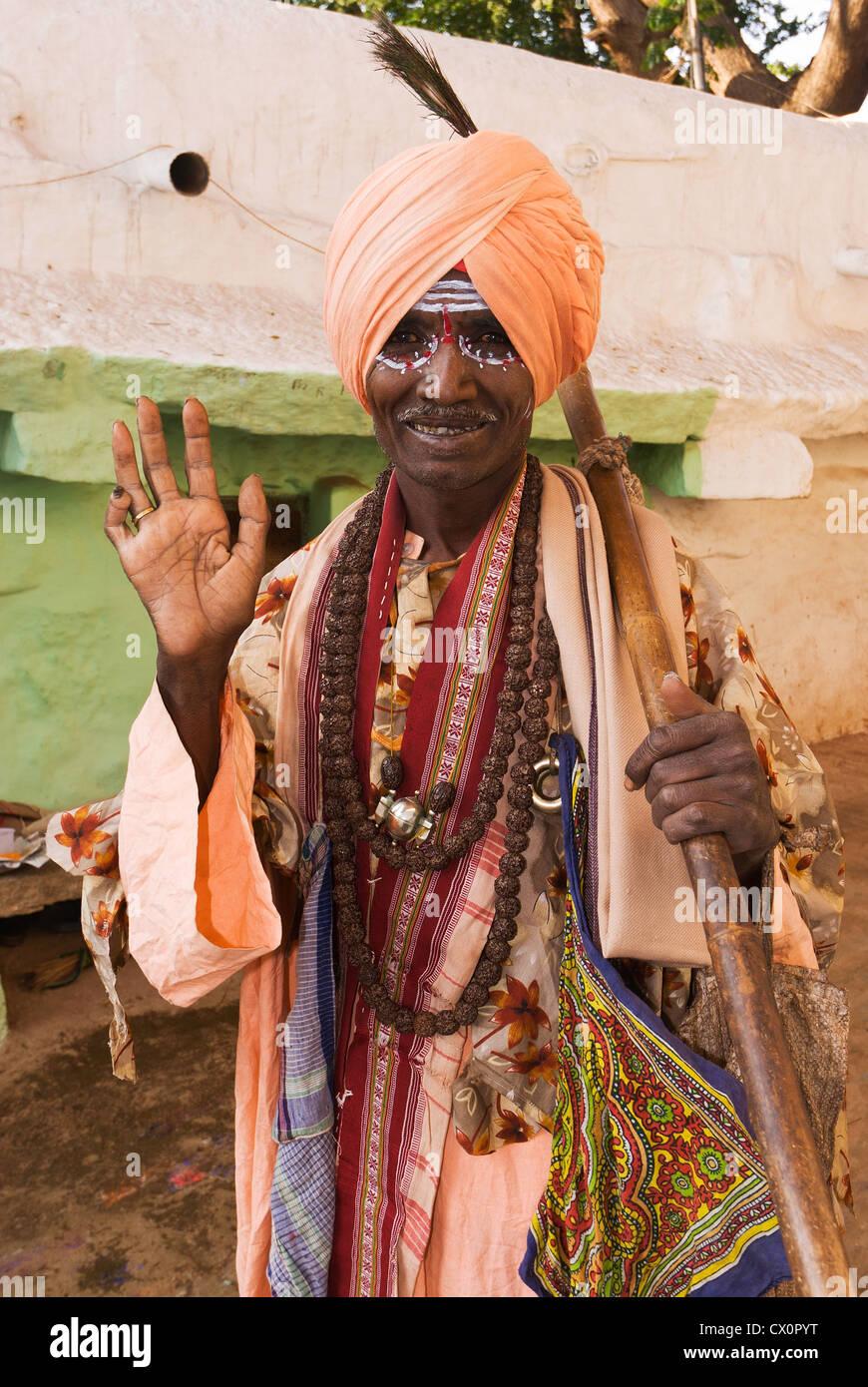 Elk201-2590v India, Karnataka, Hampi, sadhu (holy man) - Stock Image