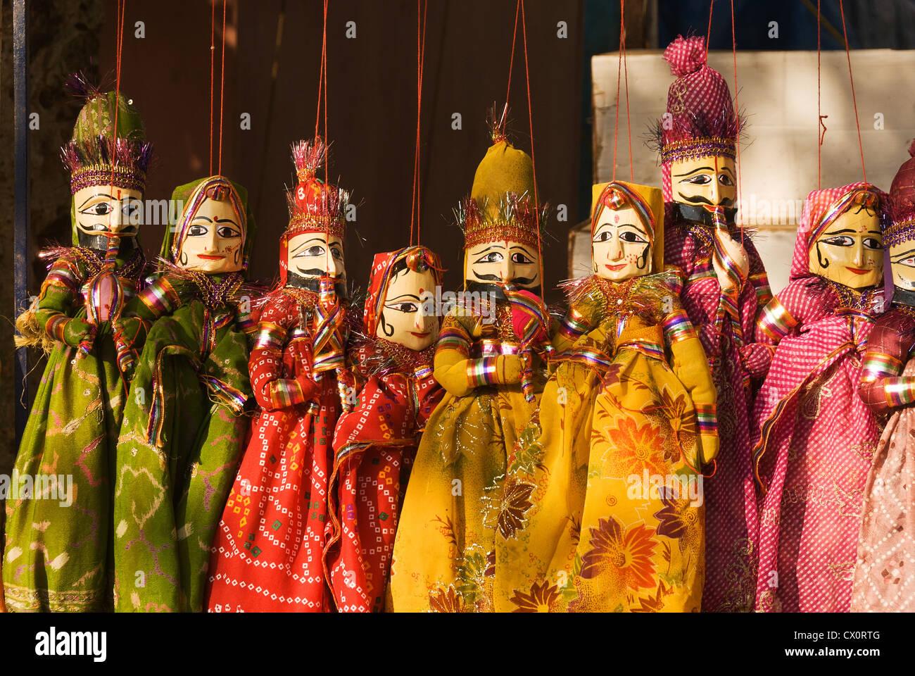 Elk201-3498 India, Kerala, Kochi, Jew Town, handicraft store, puppets - Stock Image