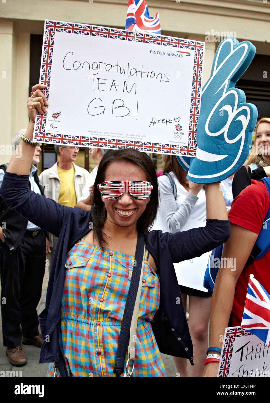People Cheering The Athletes Victory Parade London 2012 - Stock Image