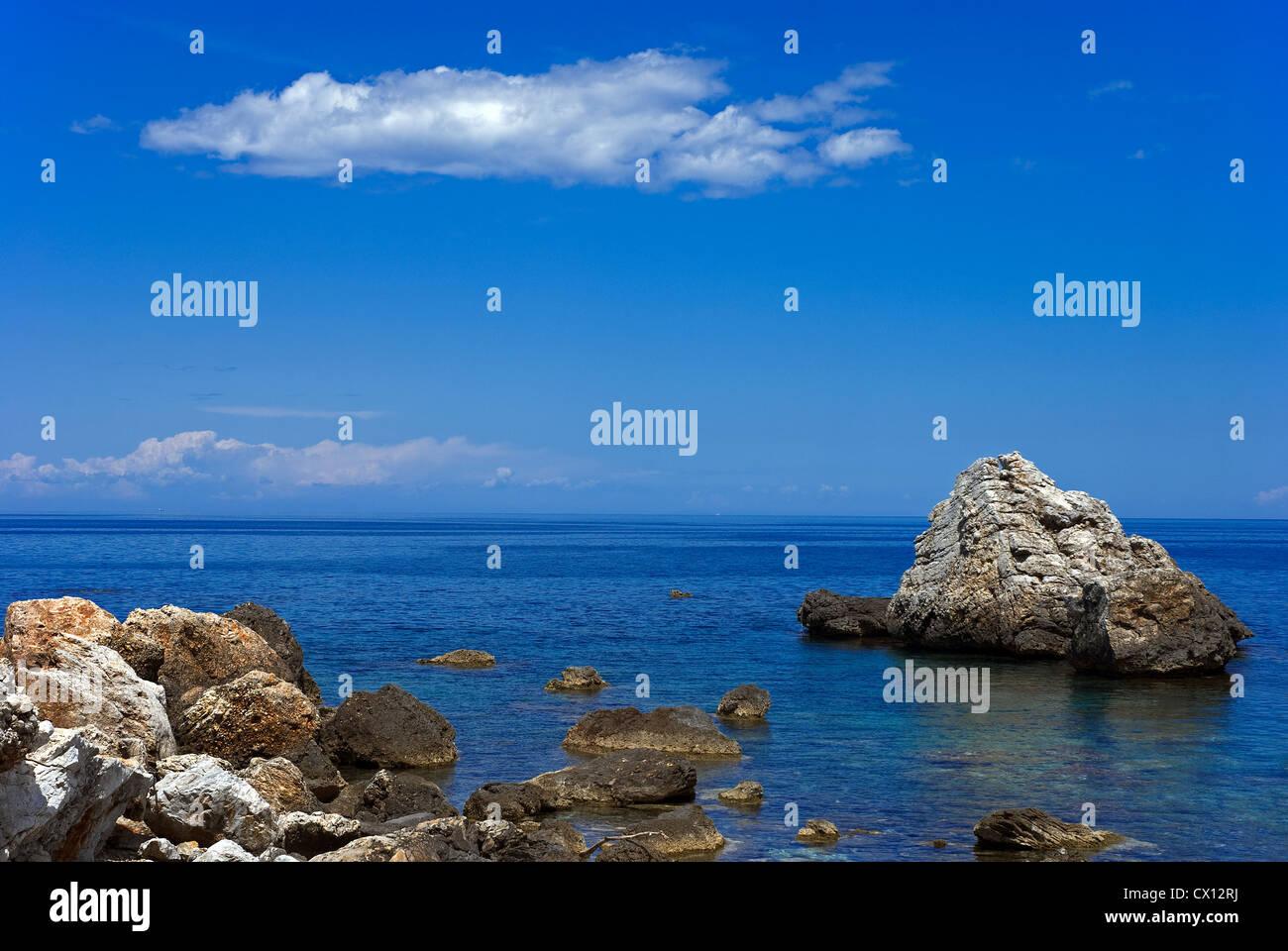 Rocky shore on Pelion peninsular (Thessaly, Greece) - Stock Image
