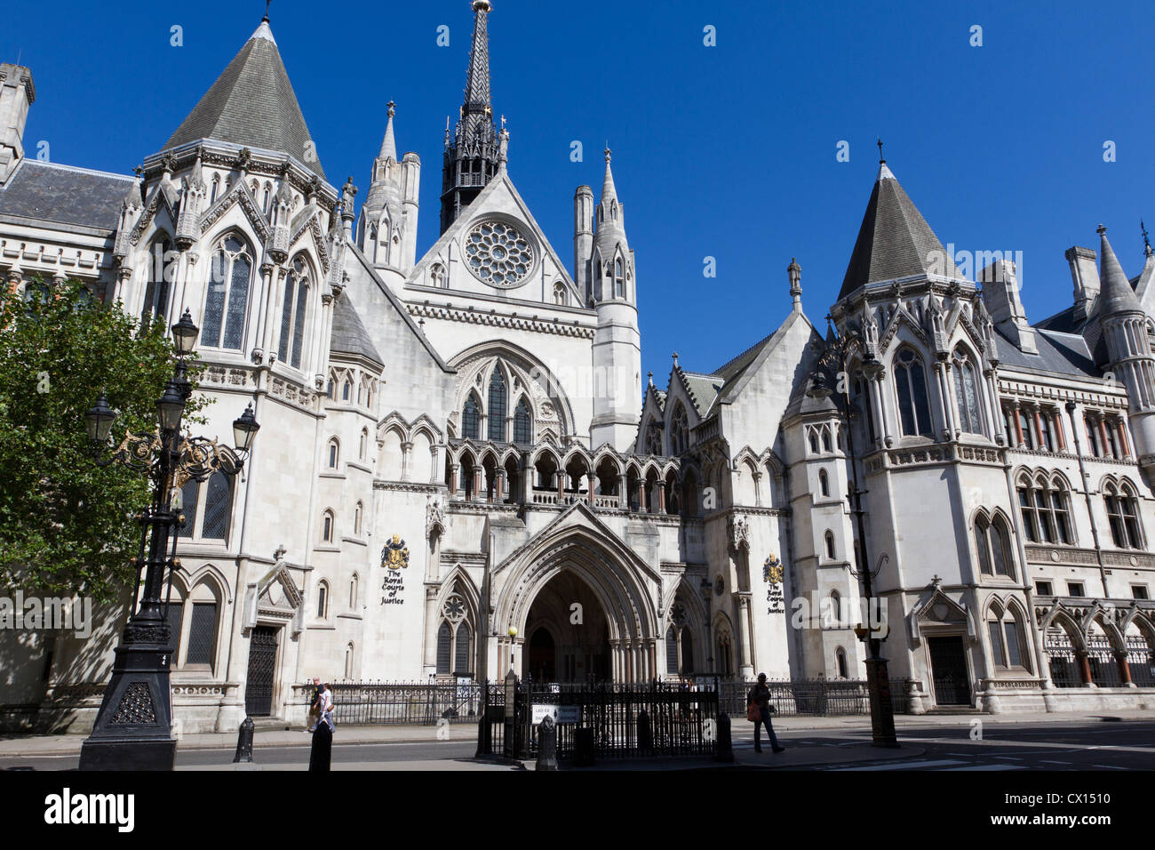 The Royal Courts of Justice, home of the Supreme Court.  The Strand, London, England. UK Stock Photo