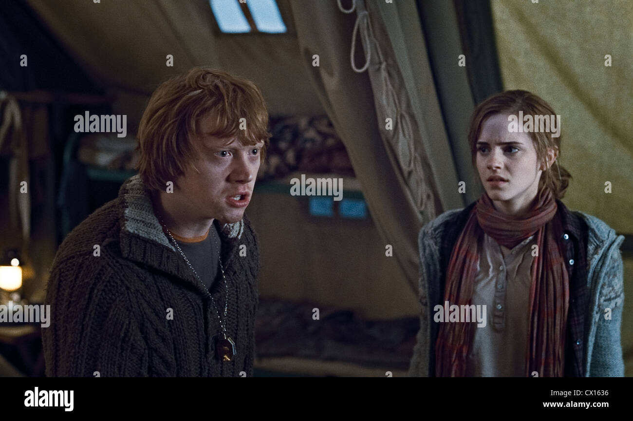 ITAR-TASS: MOSCOW, RUSSIA. NOVEMBER 8, 2010. Rupert Grint as Ron Weasley and Emma Watson as Hermione Granger (L - Stock Image