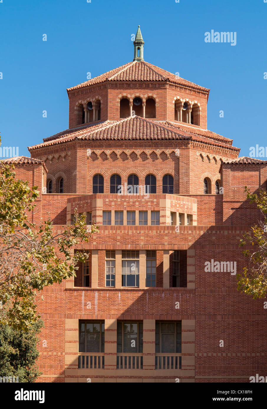 LOS ANGELES, CALIFORNIA, USA - Powell Library at UCLA. - Stock Image