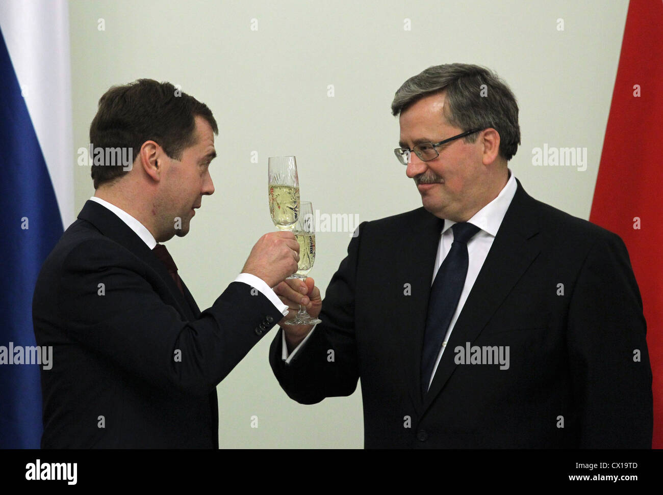 ITAR-TASS: WARSAW, POLAND. DECEMBER 6, 2010. Russian president Dmitry Medvedev (L) and Polish president Bronislaw - Stock Image