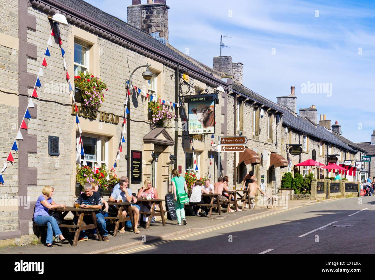 Bulls Head Pub and The Rose Cottage Cafe Castleton village centre Peak District Derbyshire England uk gb eu europe - Stock Image
