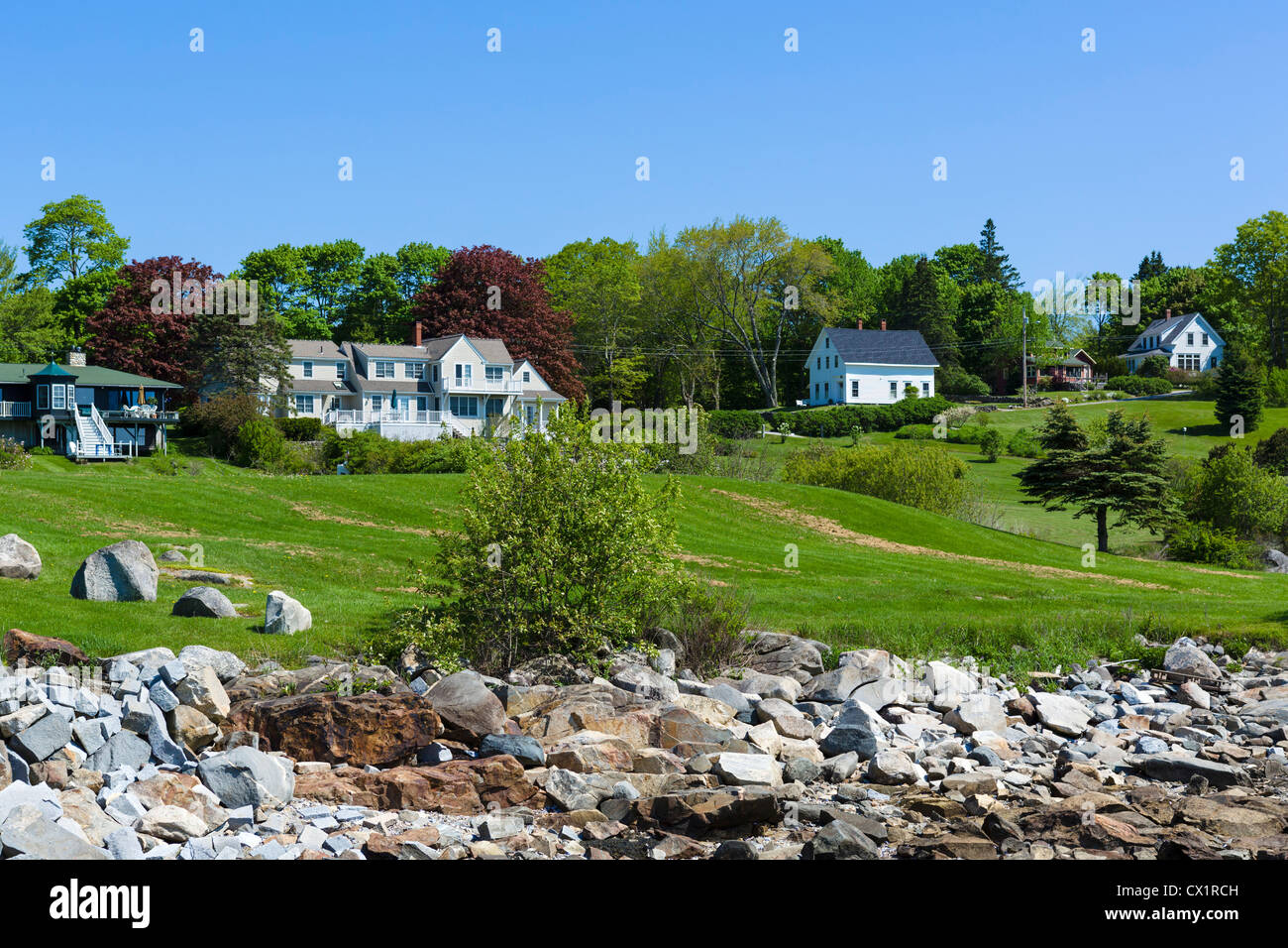Houses in the village of Tenants Harbor on St George Peninsula, Knox County, Maine, USA - Stock Image